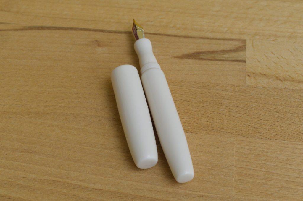 Bonita Elforyn Fountain Pen Penteopens 3