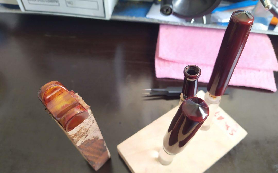 PenTeo Samurai Sensation & Pen Holder                           Aka Tamenuri Finish – Custom Order